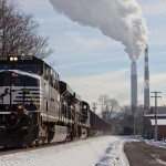 NS 7646 ES40DC leading NS 561 coal empties westbound on the Conemaugh Line