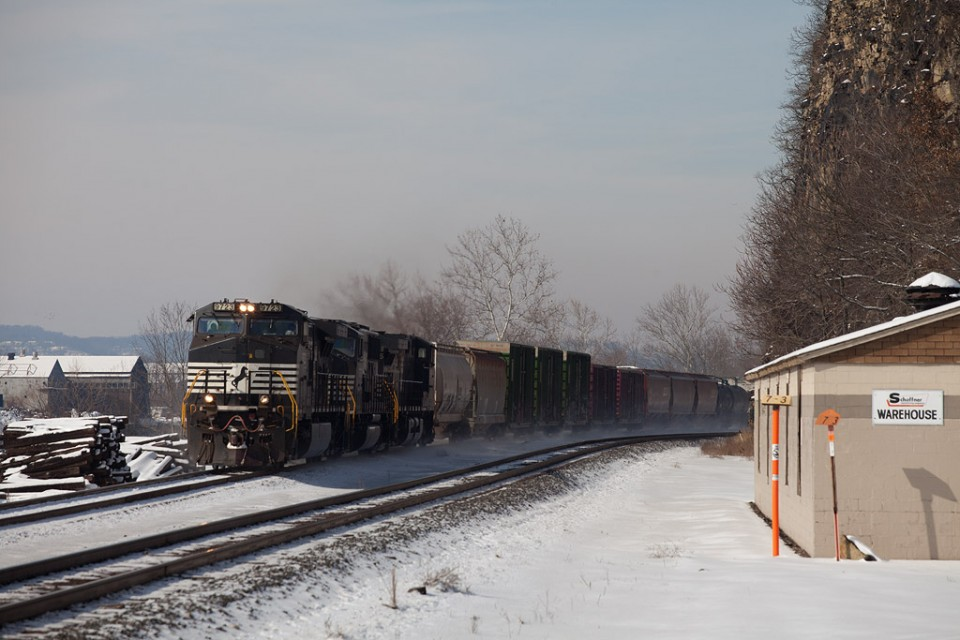 NS 9723 C40-9W east with NS 10N (Conway-Allentown) at Emsworth, Pa.