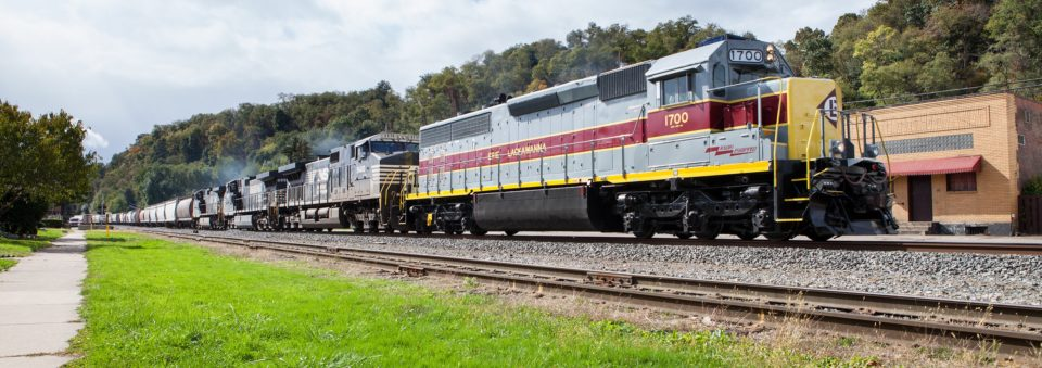 "NS 1700 ""Erie-Lackawanna"" SD45-2 heritage unit leads NS 10N (Conway-Allentown, PA) with a monster 12,000-ton train."